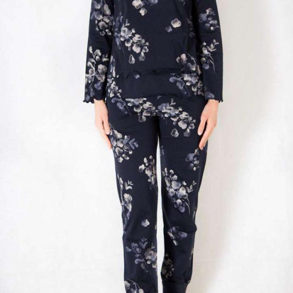 Ženska pamučna pidžama.